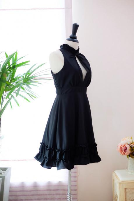Black Chiffon Ruffled High Halter Neck Short A-Line Bridesmaid Dress Featuring Cutout Detailing.